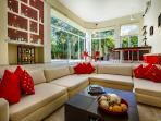 Villa Aqua family room