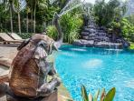 Fun water features around the pool.