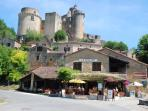 Chateau Bonaguil, having three restaurants and a tea room a great place and only 2mins away!