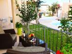 Balcony ground floor+private garden in front
