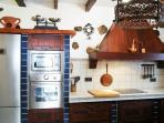 cocina completa, con electrodomésticos de calidad y  lavavajillas entre otros