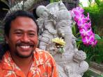 Wayan, your hosts, welcomes you to Swallow Guesthouse