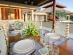 Puri Bawana - Dining table & kitchen