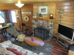 Cozy and authentic knotty pine cabin, a perfect getaway in the mountains!