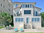 Golden Star, 7 Bedroom & Loft, Sleeps 18, Beach Front near Mayo Clinic