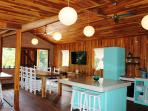 THE POINT HOUSE Kitchen / Dinning