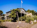 Oceanview, pet-friendly house - walk to the beach!