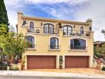 Magnificent 4 BDR Close to the beach in CDM