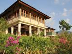Villa Naga, Sumberkima Hill retreat