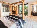 The Queen Bedroom ; bed : 160 x 200