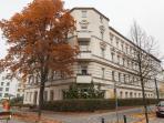 Our house: beautiful late 19th century building  Unser Gründerzeithaus im Komponistenviertel