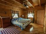 Master suite, king bed