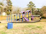 Family friendly neighborhood park, bring the kids here, just 100 yards from home.