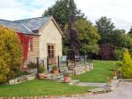 ARLES BARN, WiFi, patio with furniture, on the edge of the Forest of Dean, Ref 9