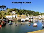 Pierinn House is located overlooking the historic, picturesque harbour of Polperro