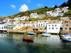 Photos of picturesque Polperro in Cornwall taken within 1 min walk of harbourside