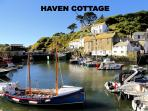 Haven Cottage is located overlooking the historic, picturesque harbour of Polperro