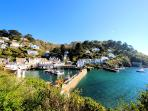 Photos of picturesque Polperro in Cornwall taken within 4-5 mins walk of Slipway