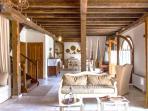 Charming Historic Villa MELI close to BEST beaches