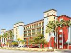 Welcome to Orlando's Sunshine Resort!