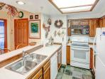 Aspen Creek #215 - fully equipped kitchen