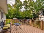 Relax on the deck in the presence of beautiful scenery