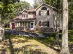 Choose this Bushkill vacation rental home for your Pennsylvania retreat!