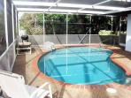 Falcon Beach Home, Private Heated Pool, WiFi, Walk to Beach, Sleeps 8