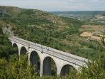 Vélo Rail et vue sur la vallée du Cernon.