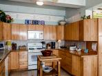 This fully equipped kitchen has everything you need to prepare a delicious meal.