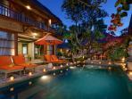 Luxe Villa, 150 m van de zee, en 50 m van de hoofdstraat, met vele restaurants, winkels en bars.