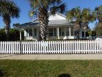 Sundial Cottage-Crystal Beach-Destin-Private Pool-Great Location!!