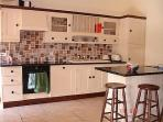 Cottage Des Alberes - Well Equipped Kitchen