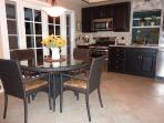Kitchen w/ kitchen table nook