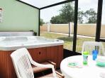 Private enclosed patio + Hot Tub
