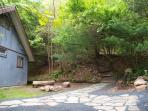 Secluded Pocono Mountains Vacation Rental with Hot tub