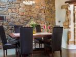 Verekinthos Villas  Dining
