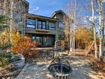 Welcome to your quintessential Grand Lake, Colorado home-away-from-home!