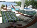 2 hammocks