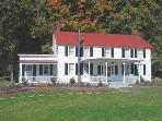 Beautiful Restored 1800's Farmhouse/Mts./Streams