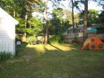 Large fences yard (3 sides)