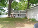 2 bedroom cottage/garage from street view