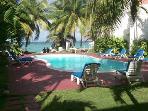 Chrisanns Apt9 Paradise Suite, beachfront and Wifi