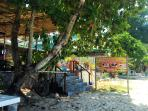 Massage and restaurant on the beach - walking distance