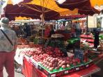 Market in APT (15 km)