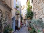 Old town of Valbonne 10 mins away
