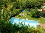 La piscina stagionale.
