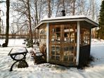 A barbecue-hut in the winter