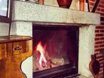 Chimenea para el invierno de la casa rural Casa Salva