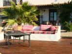 Terrasse mit Feuertisch
